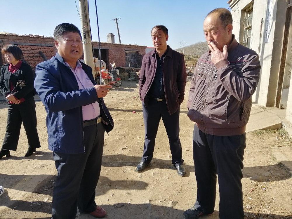 市科技局考核在卓资县服务的市级科技特派员